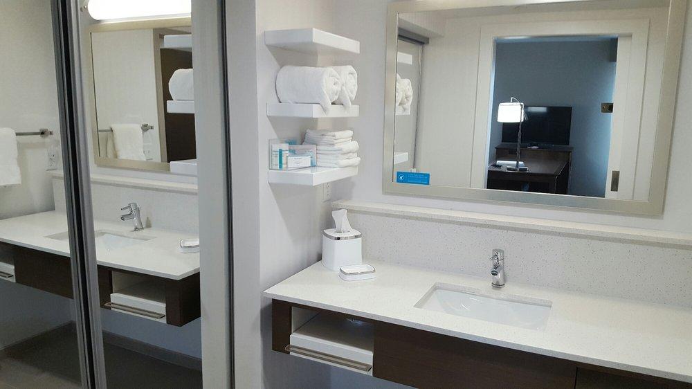 Hampton Inn & Suites Artesia: 2501 S Permian Pavilion Lp, Artesia, NM