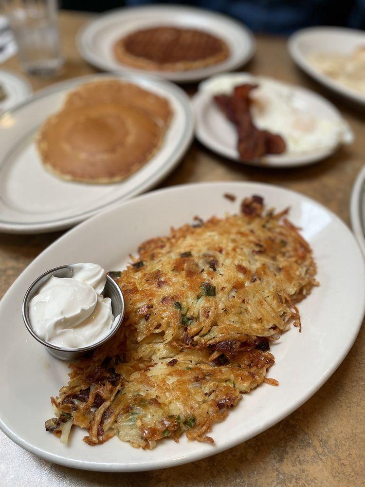 Issaquah Cafe: 1580 NW Gilman Blvd, Issaquah, WA