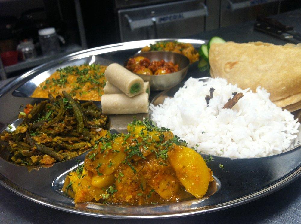 Food & Fashion of India: 483 Amherst St, Nashua, NH
