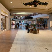 Des Moines Shopping >> Highland Park Mall Shopping Centers Highland Bldg West