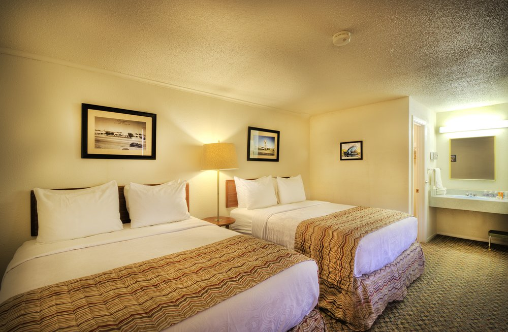 Roadrunner Lodge: 1023 E Rt 66 Blvd, Tucumcari, NM
