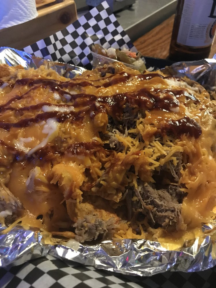 Jones-Eez Bar-B-Que: 551 W Kennedy Rd, Braidwood, IL