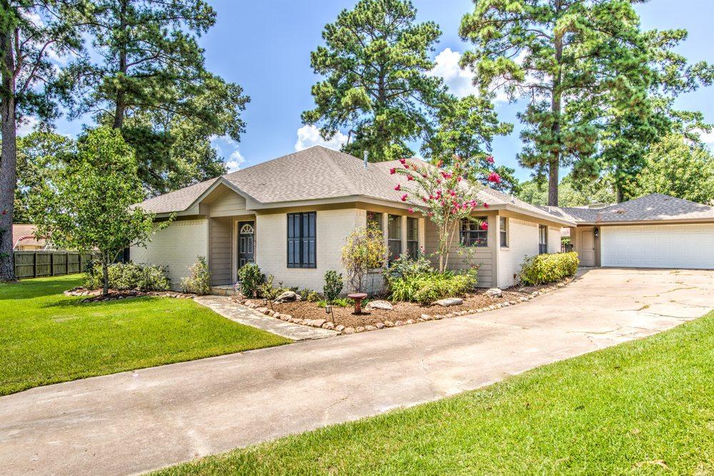 Abby Todd- Gann Medford Real Estate: 2808 S John Redditt Dr, Lufkin, TX
