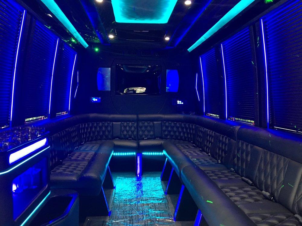 NYC Luxury Limousine: 75 Maiden Ln, Manhattan, NY