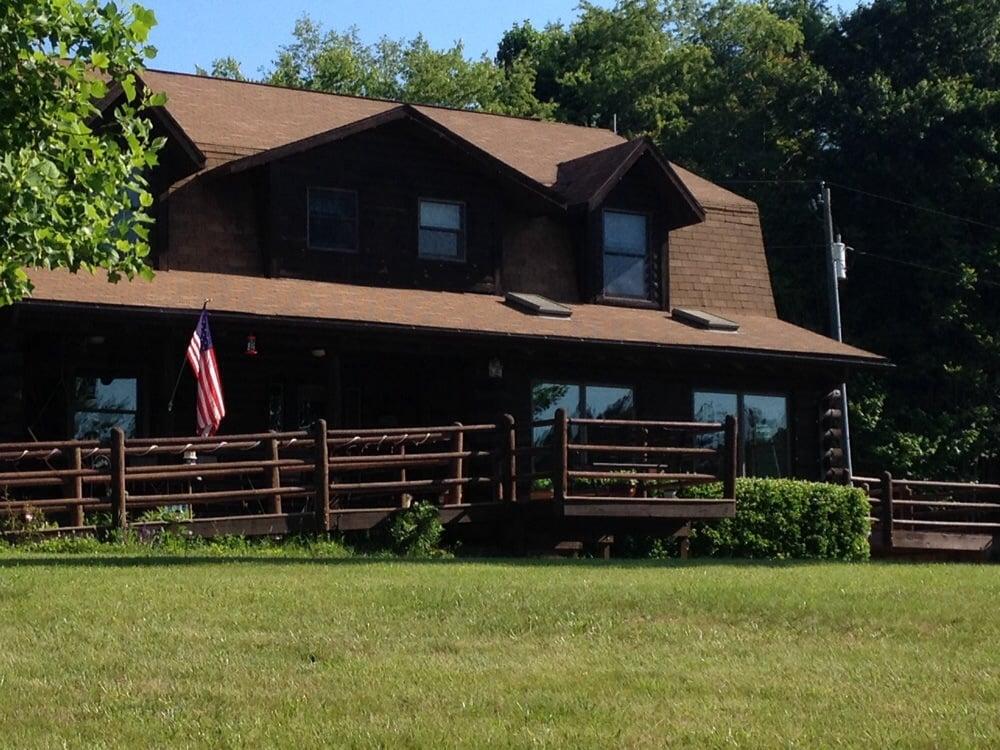 Harmony Hill Bed & Breakfast: 929 Wilson Hill Rd, Arrington, VA