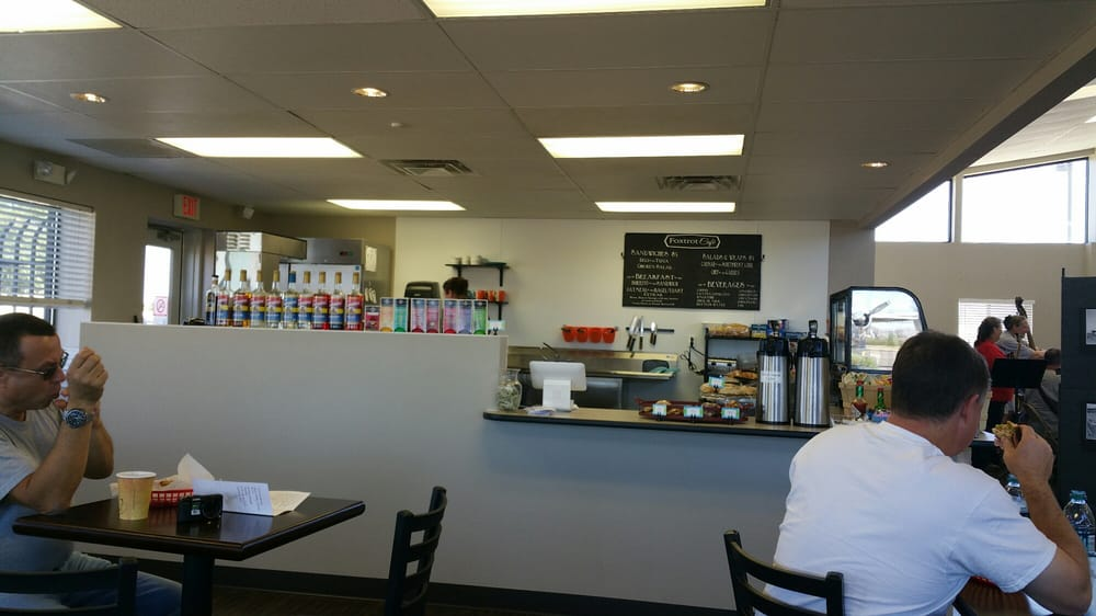 Foxtrot Cafe: Casa Grande Airport, Casa Grande, AZ