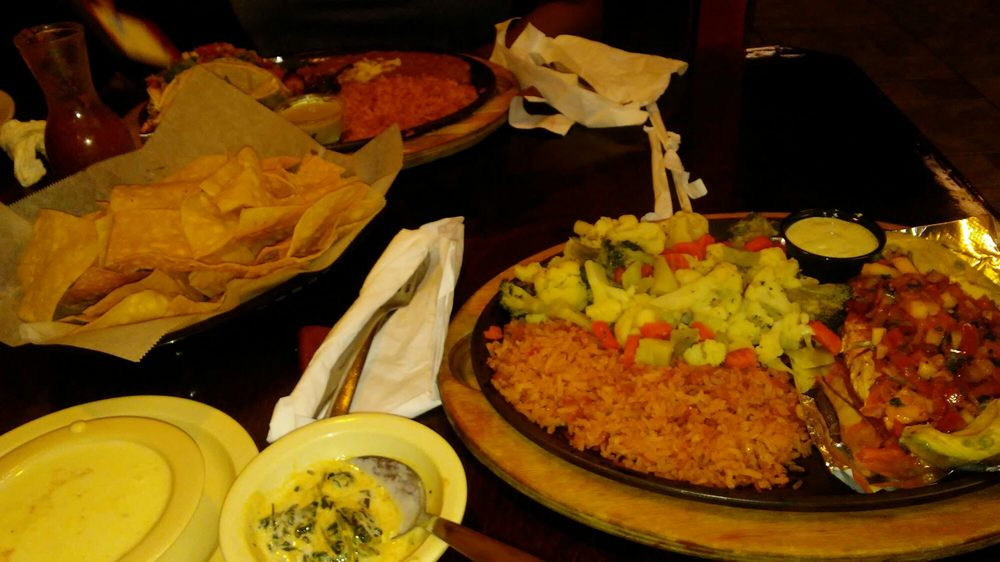 Avocado's: 905 N 18th St, Monroe, LA