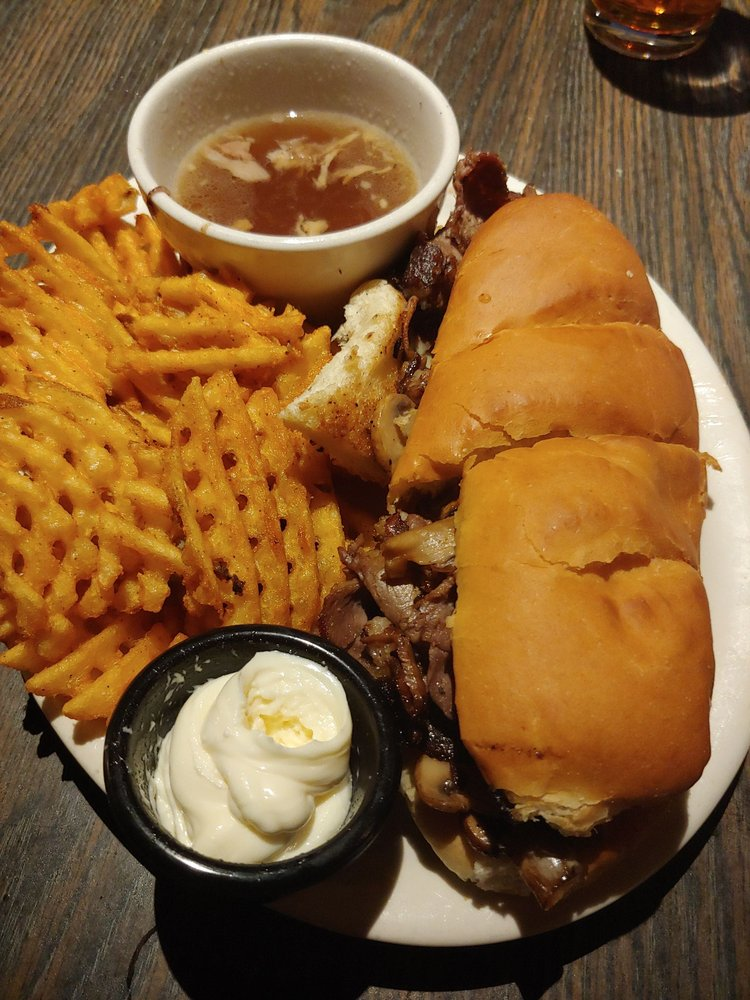 Maries Underground Grill & Tap House: 217 Plum St, Red Wing, MN