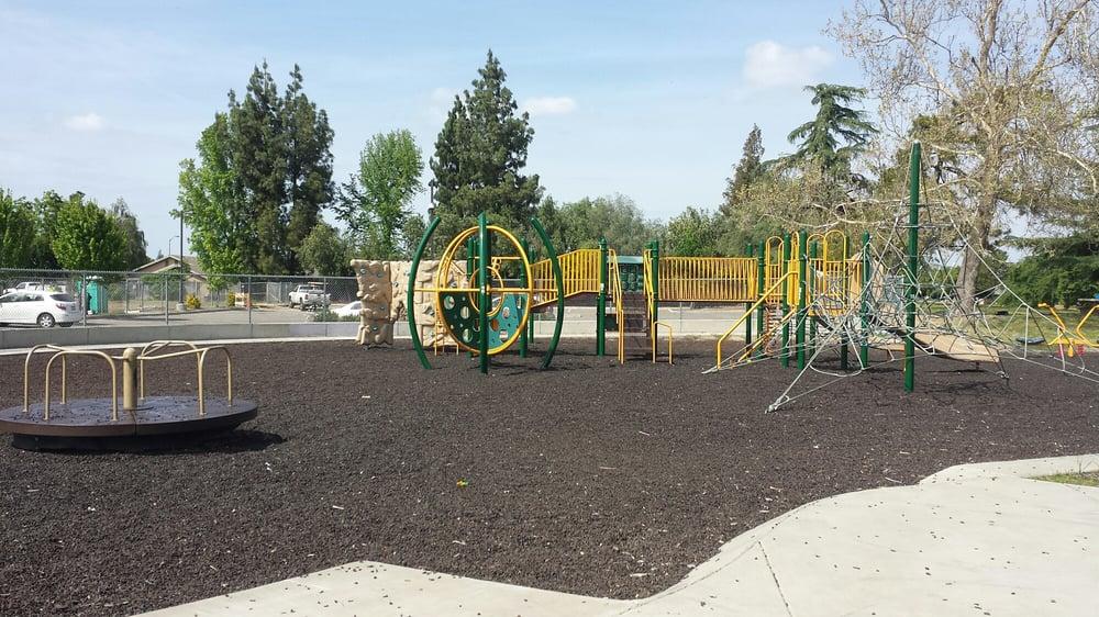 Shasta Park: 995 E Edison St, Manteca, CA