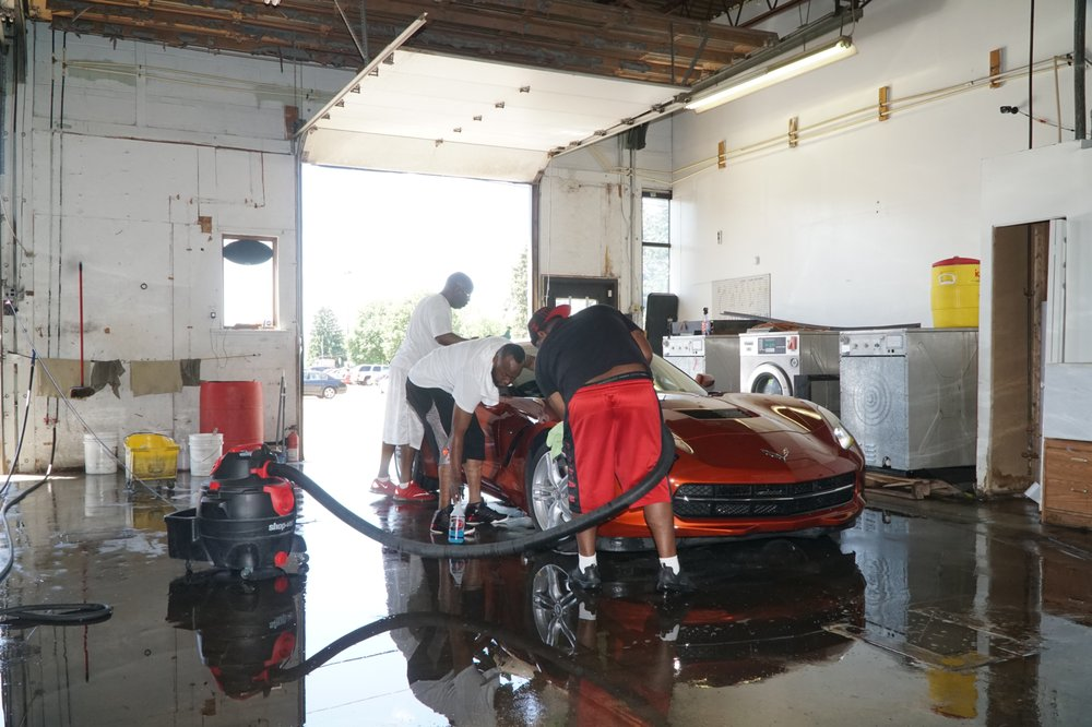 Extra Touch Hand Car Wash & Full Detail: 3104 Cromer Ave NW, Canton, OH