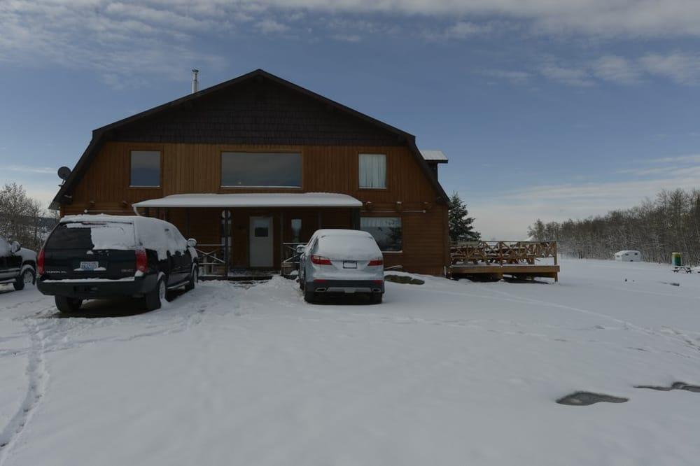Montana's Duck Lake Lodge: 3215 Duck Lake Rd, Babb, MT