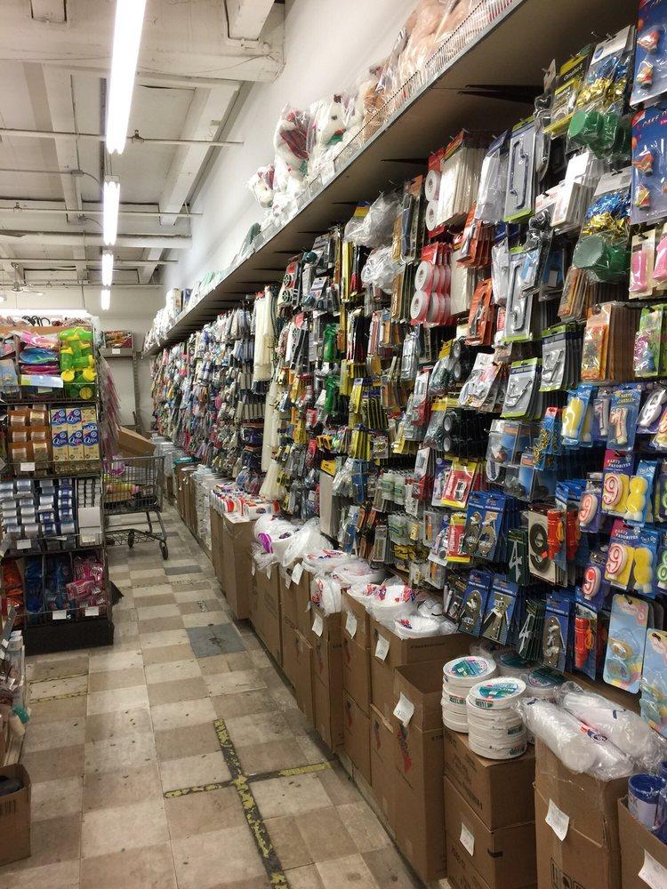 Advance Distributors: 4949 N Pulaski Rd, Chicago, IL