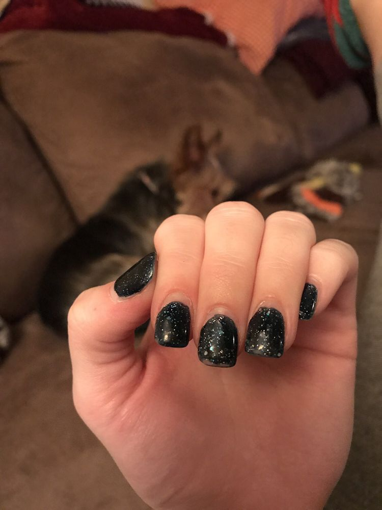 Diva Nails Salon: 3045 Center Valley Pkwy, Center Valley, PA