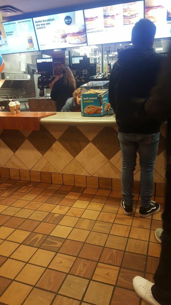 McDonald's: 111 E Tyranena Pk Rd, Lake Mills, WI