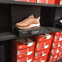 bf6ed9f316701 Nike Community Store - 34 Photos   36 Reviews - Shoe Stores - 1261 ...