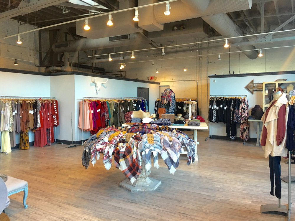 Entourage Clothing and Gifts: 701 Lady St, Columbia, SC