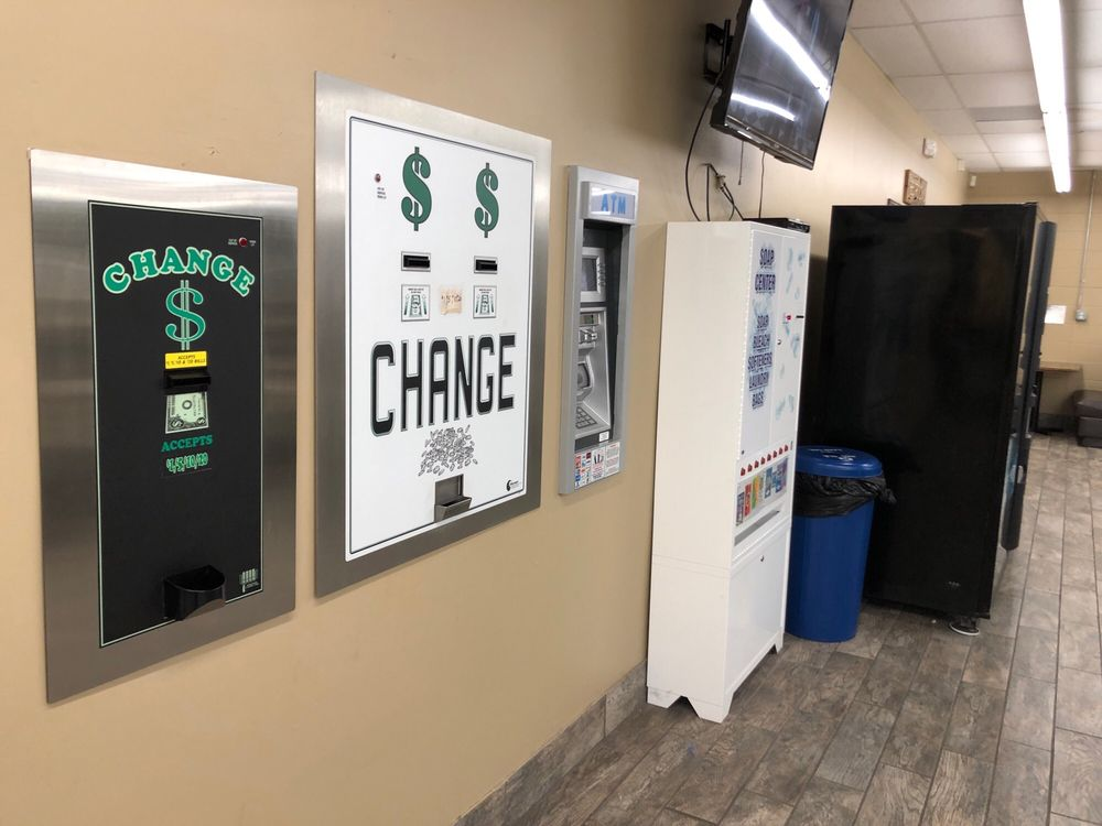 Spin City Laundromat: 2610 Godman Rd, Horn Lake, MS