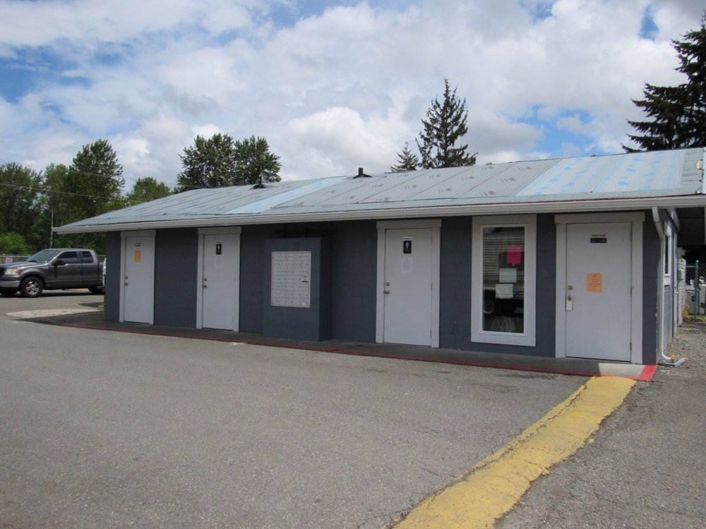 South Sound RV Park: 7910 River Rd E, Puyallup, WA