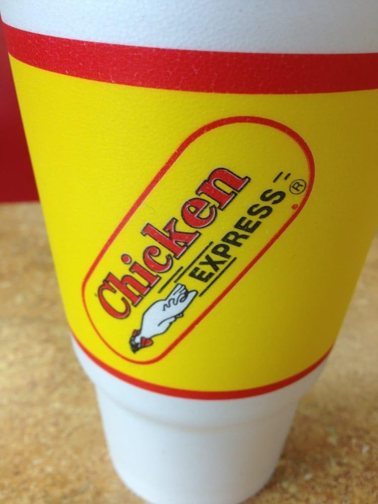 Chicken Express: 1101 Broadway Ave, Gladewater, TX