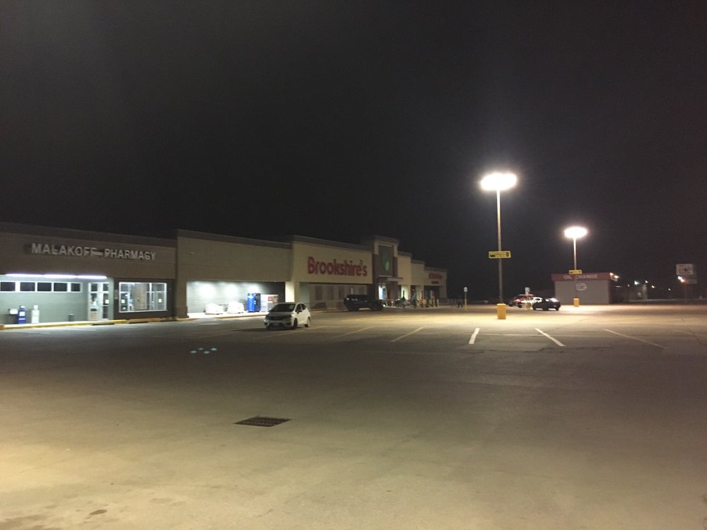 Brookshire's: 415 W Royall Blvd, Malakoff, TX