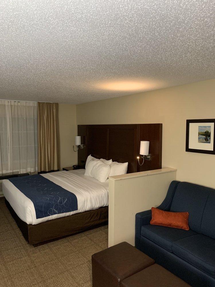 Comfort Suites: 7402 Nordic Drive, Cedar Falls, IA