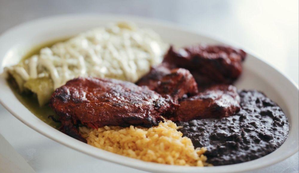 Limon's Restaurant: 3105 W Davis St, Dallas, TX