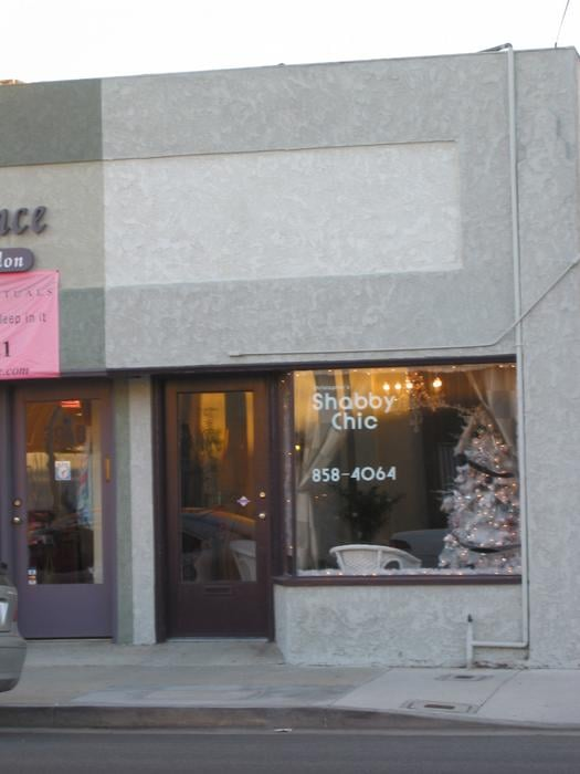 Shabby chic styling salon chiuso parrucchieri 3938 e for 4th street salon