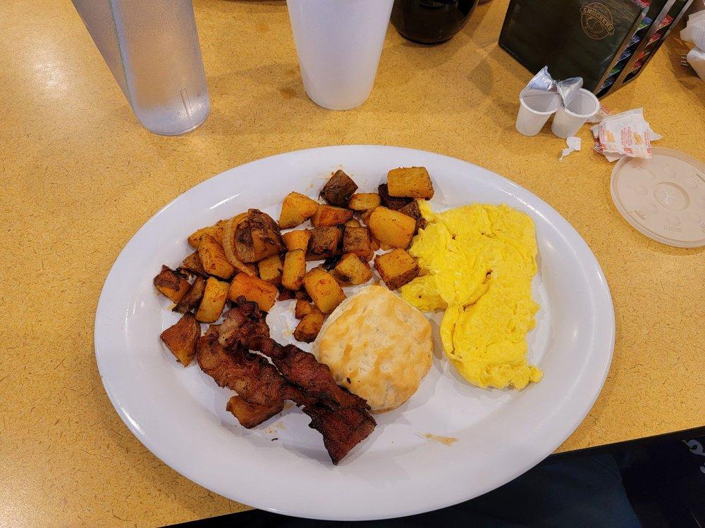 Main Street America An Eatery: 22 S Main St, Lake Placid, FL