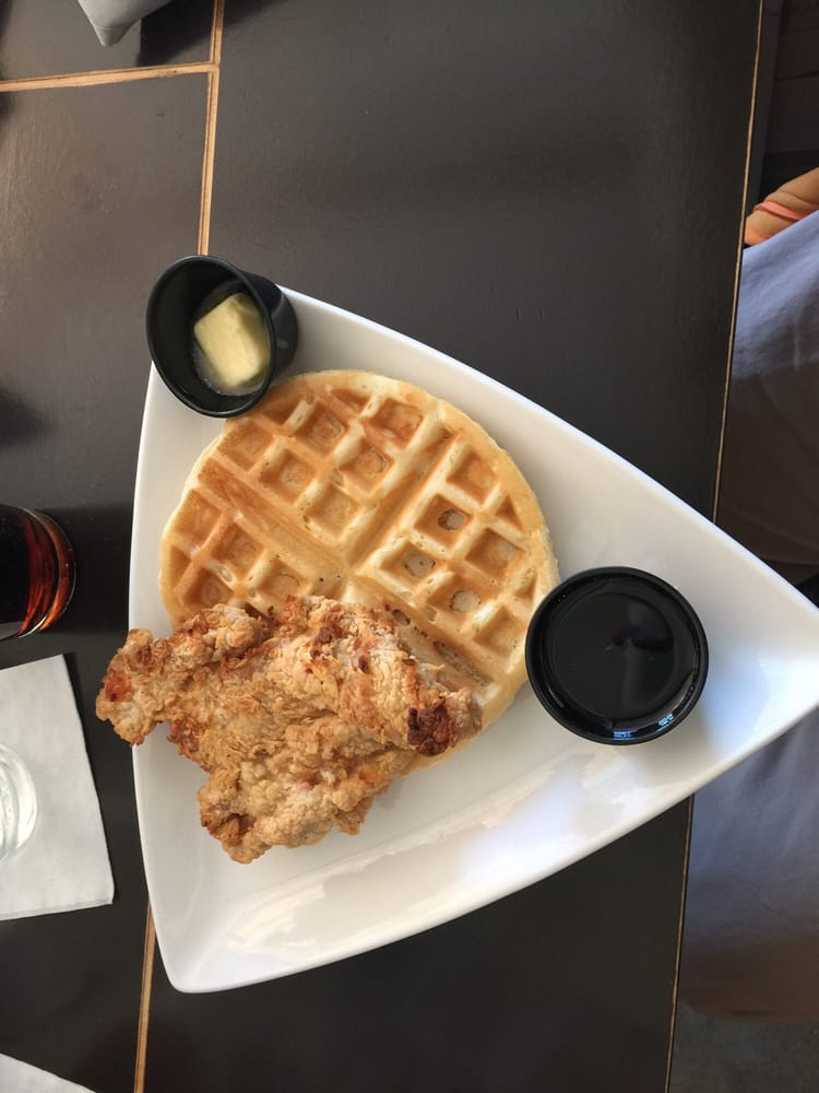 Tavern 101 Restaurant: 101 Center Ave, Bay City, MI