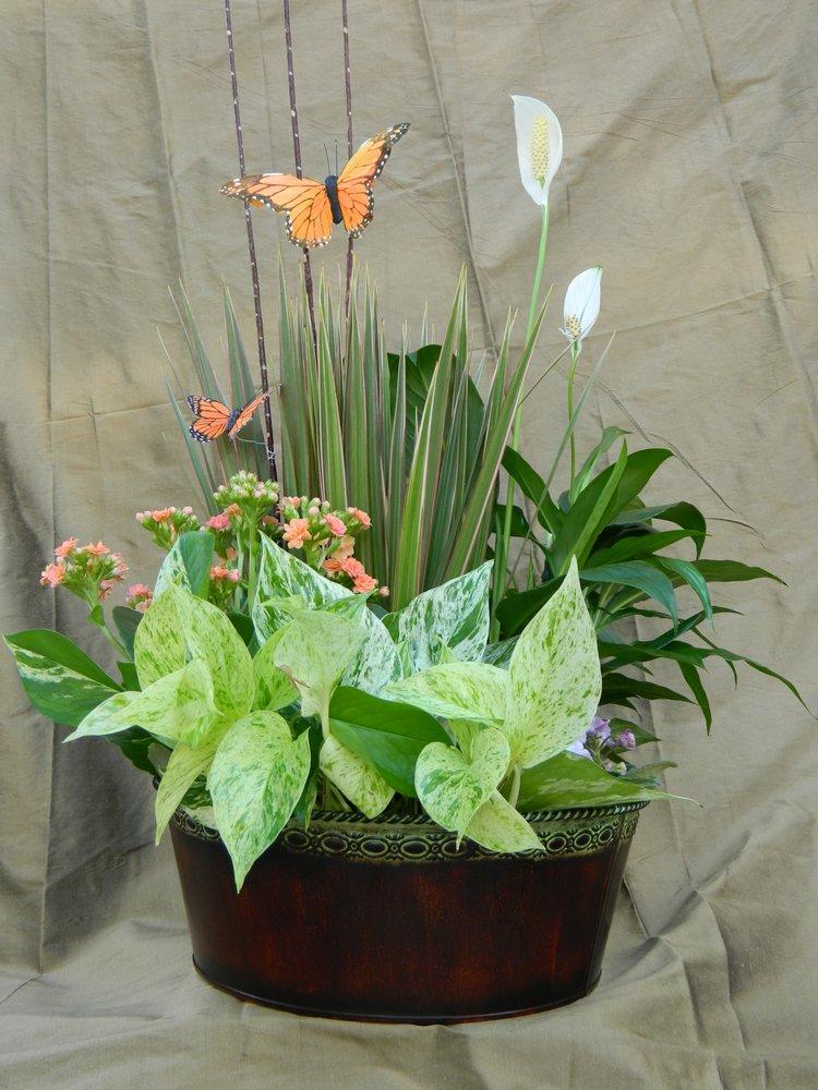 Artistry Florals: 18509-B Statesville Rd, Cornelius, NC