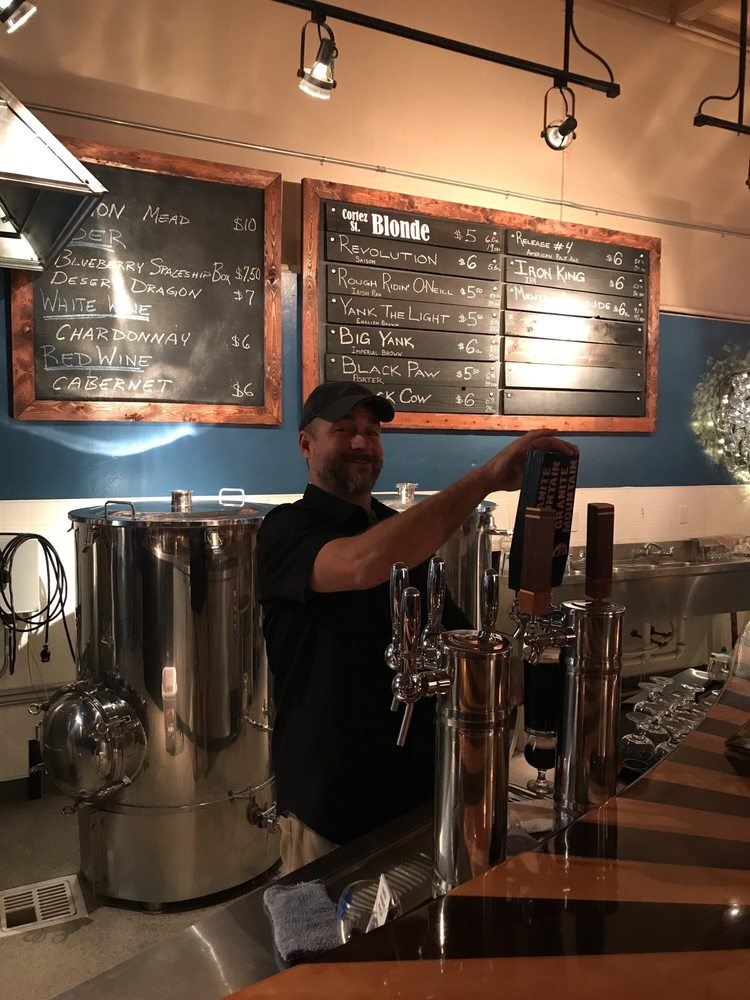 Granite Mountain Brewing: 123 N Cortez St, Prescott, AZ