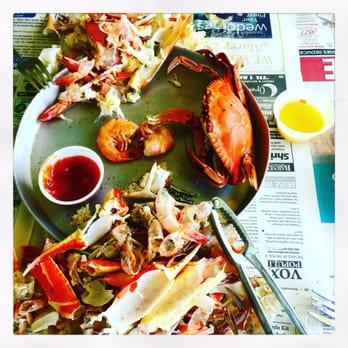 Desposito s seafood restaurant 12 photos 25 reviews for Fish market savannah ga