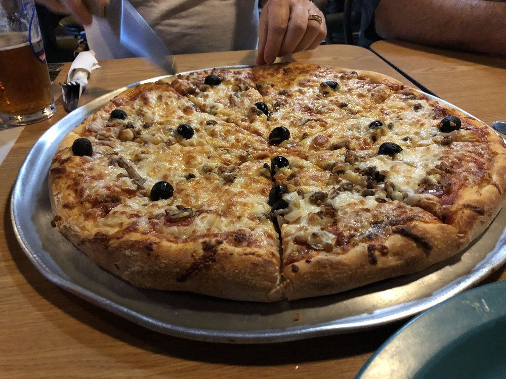 Mama Mia's Pizzeria and Italian Restaurant: 12220 Atlantic Blvd, Jacksonville, FL