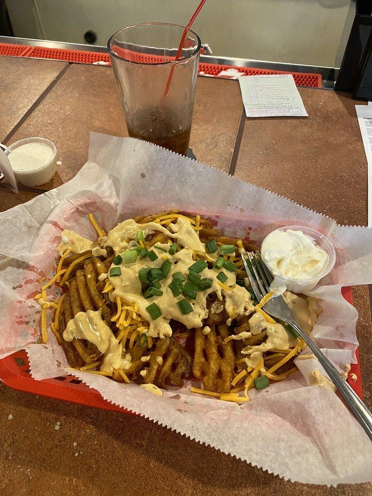 Harley's Hideaway Bar & Grill: 12200 Johnson Dr, Shawnee, KS