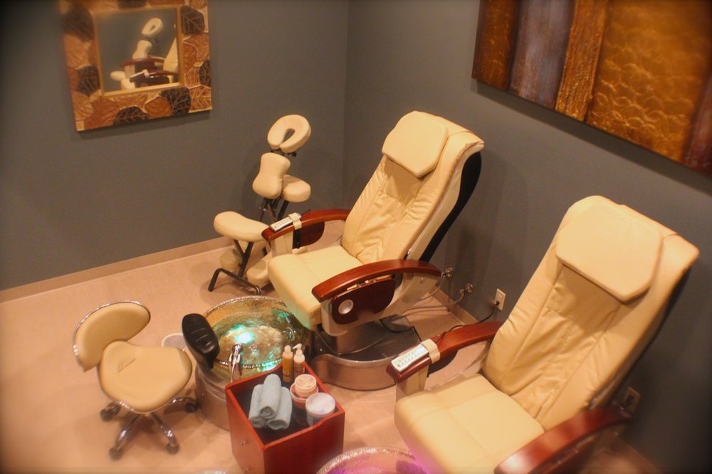 Zoi'A Spa & Salon: 2900 Deerfield Dr, Janesville, WI