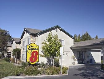 Super 8 by Wyndham Willits: 1119 South Main Street, Willits, CA