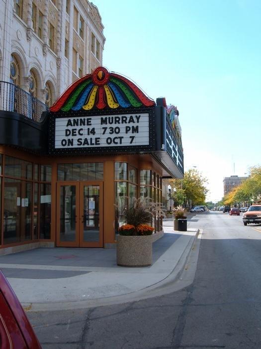 Restaurants Near Genesee Theatre Waukegan Il