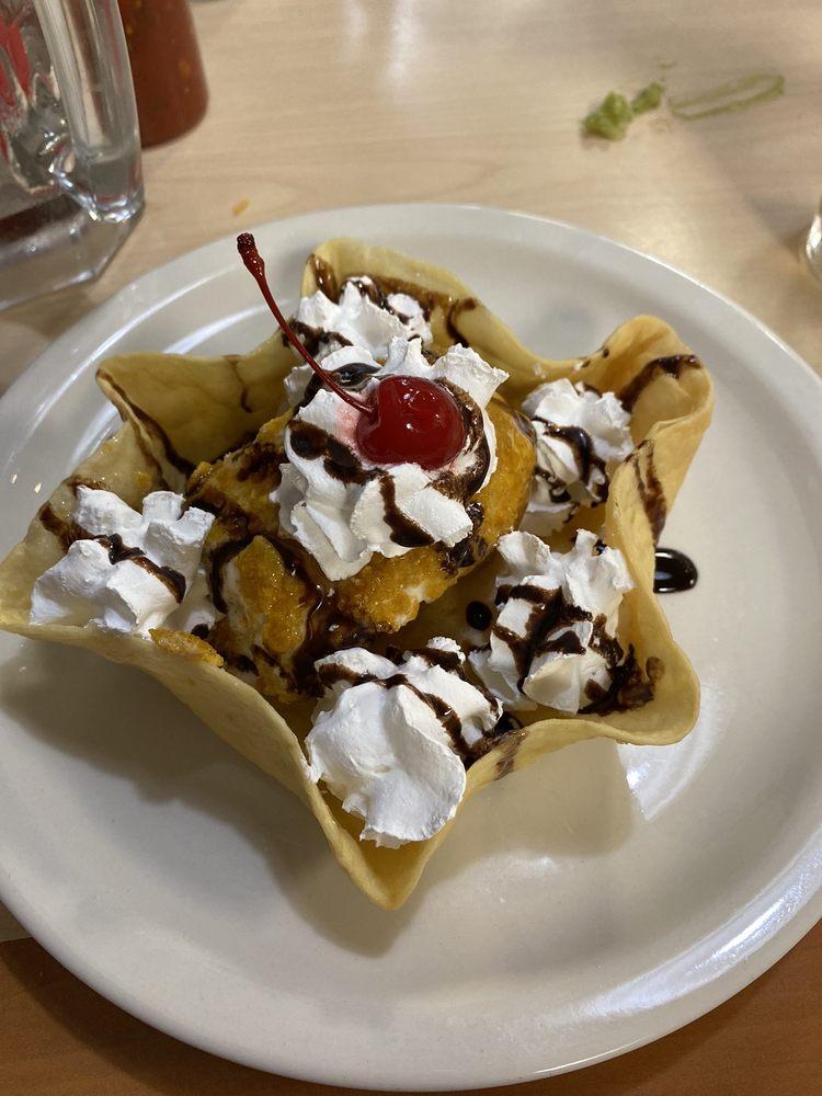 Cantaritos Mexican Grill: 1333 North Santa Fe Ave, Edmond, OK
