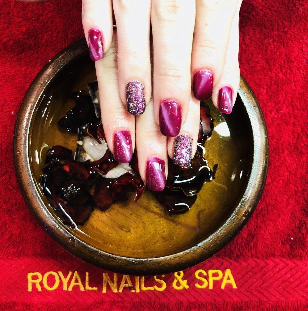 Royal Nails Spa: 435 Merchant Walk Square, Charlottesville, VA