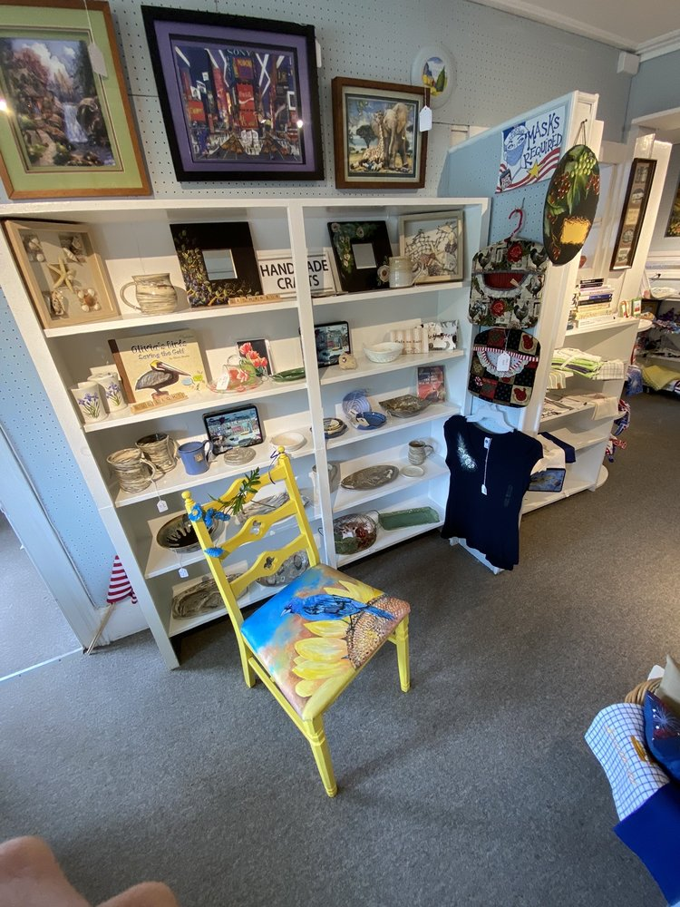 Old Town Arts & Crafts Guild: 28265 Main Rd, Cutchogue, NY