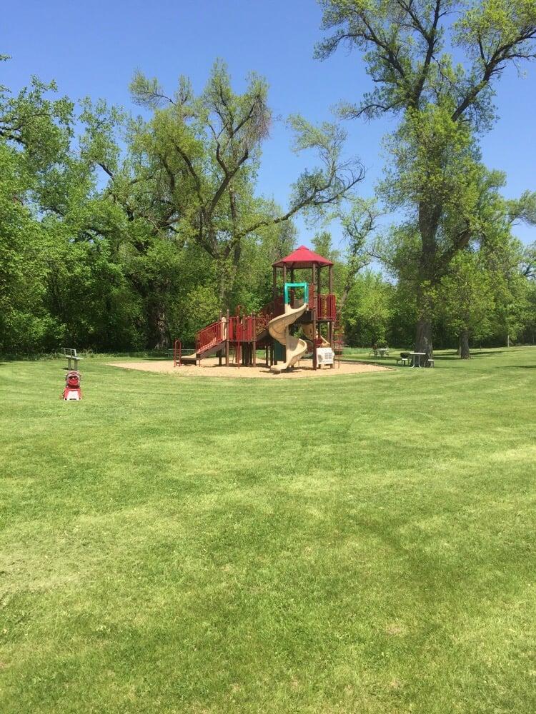 Big Sioux Recreation Area: 410 W Park St, Brandon, SD