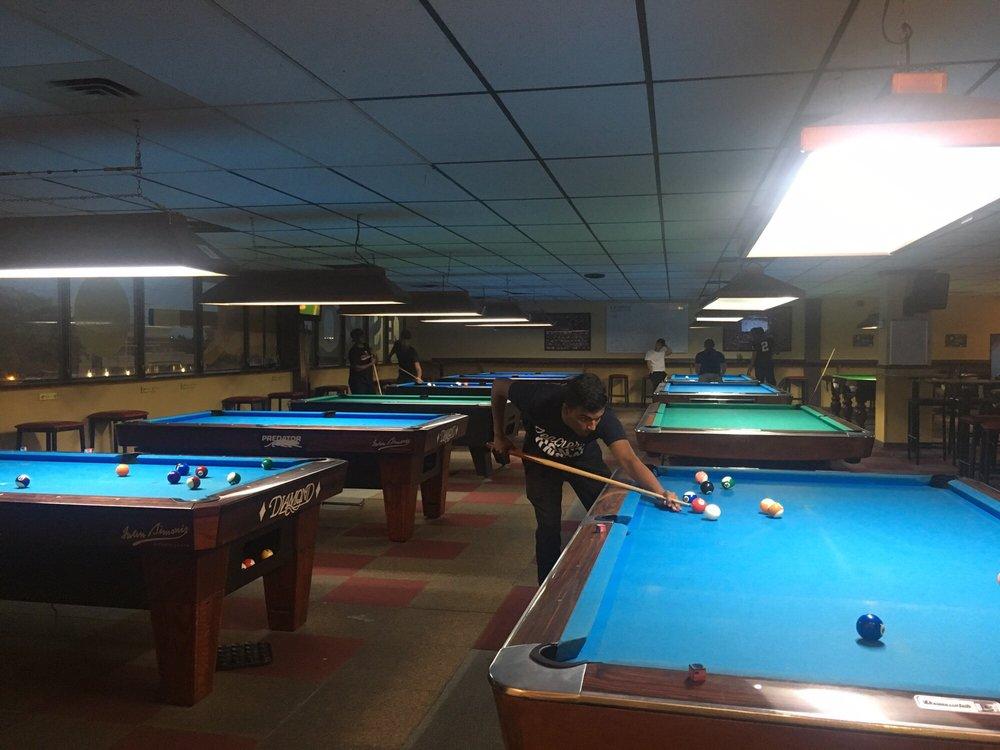 Le Spot Billiard Lounge