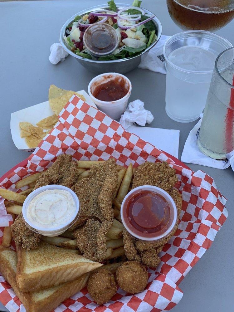 Stumpy's  Lakeside Grill: 2323 S Morgan St, Granbury, TX
