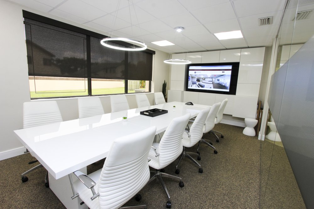 Empire Executive Offices: 1021 Ives Dairy Rd, Miami, FL
