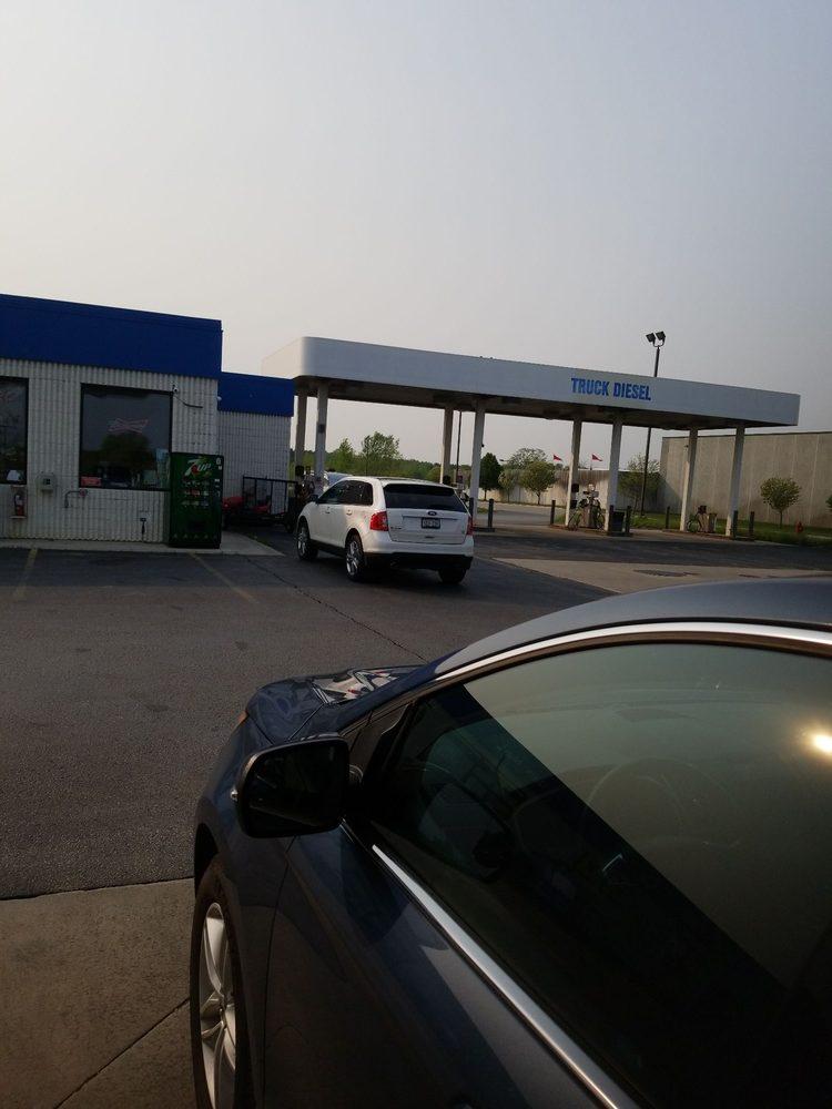 Mobil gas station: 1010 Fond Du Lac Ave, Sheboygan Falls, WI