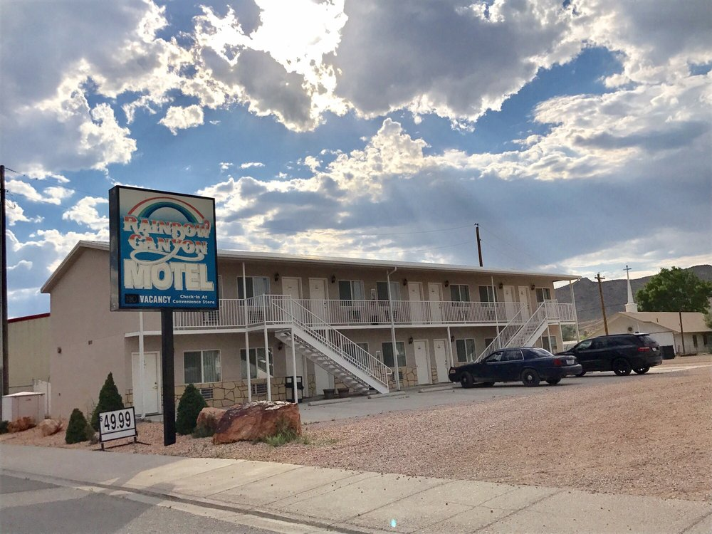 Rainbow Canyon Motel: Caliente, NV