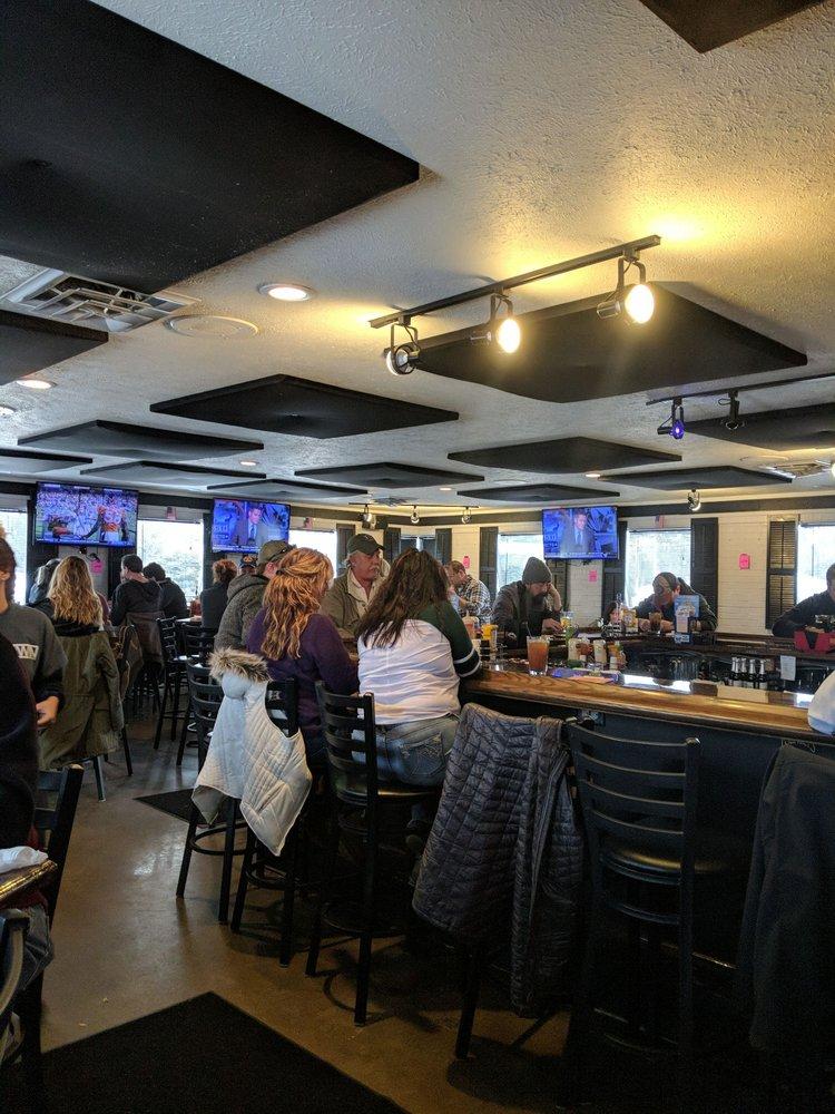 The Win Tavern 33: 7628 Georgetown Center Dr, Jenison, MI