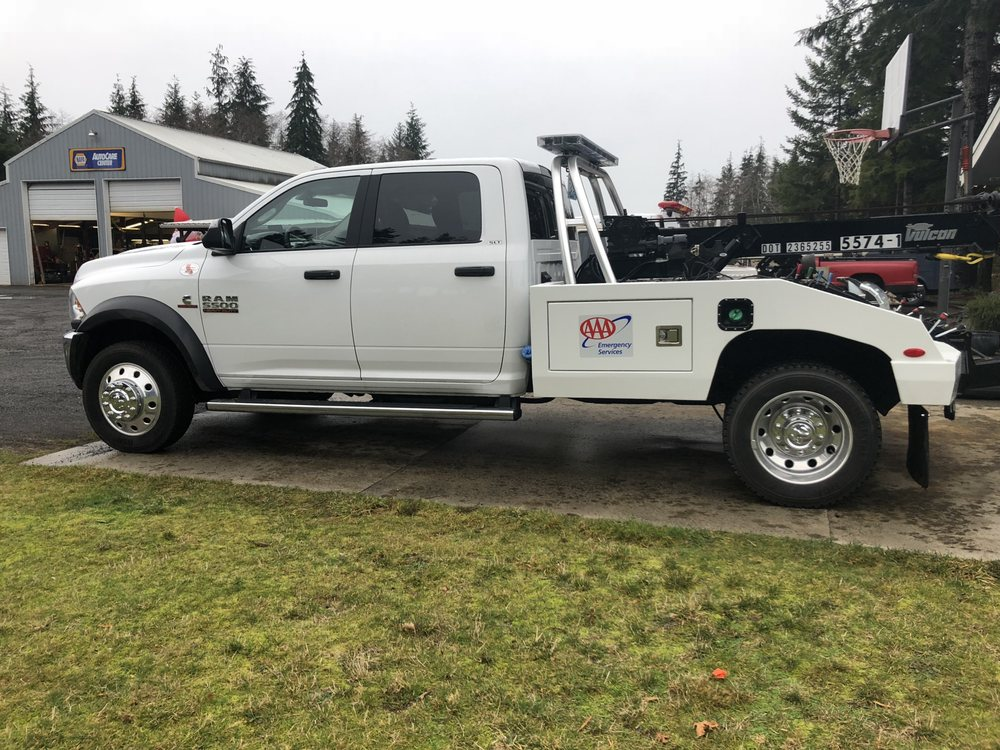 Eagle Repair & Towing: 574 Russell Rd, Forks, WA