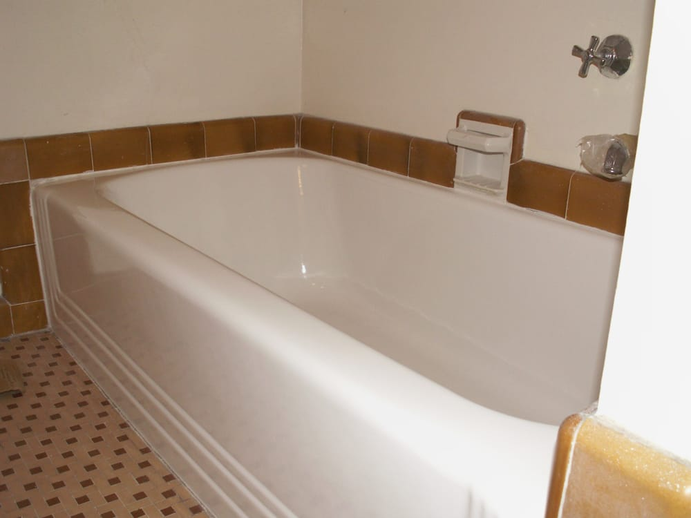1930 S Tub With Side Pour Plumbing And Original Floor Tile Yep Resurfacing Is Less
