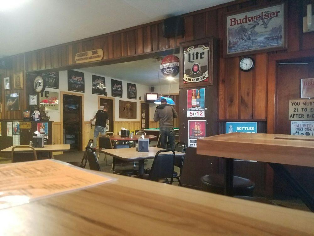Chief's Bar: 4790 Territorial Rd, Benton Harbor, MI